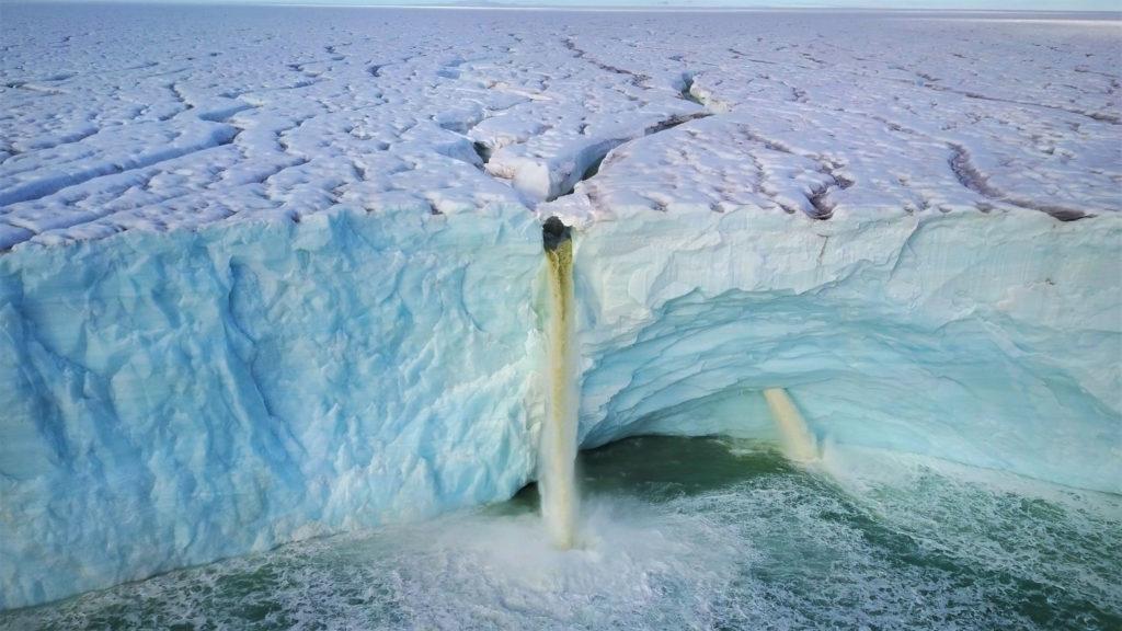 04 Spitzbergen - Erderwärmung lässt die Gletscher schmelzen 300dpi