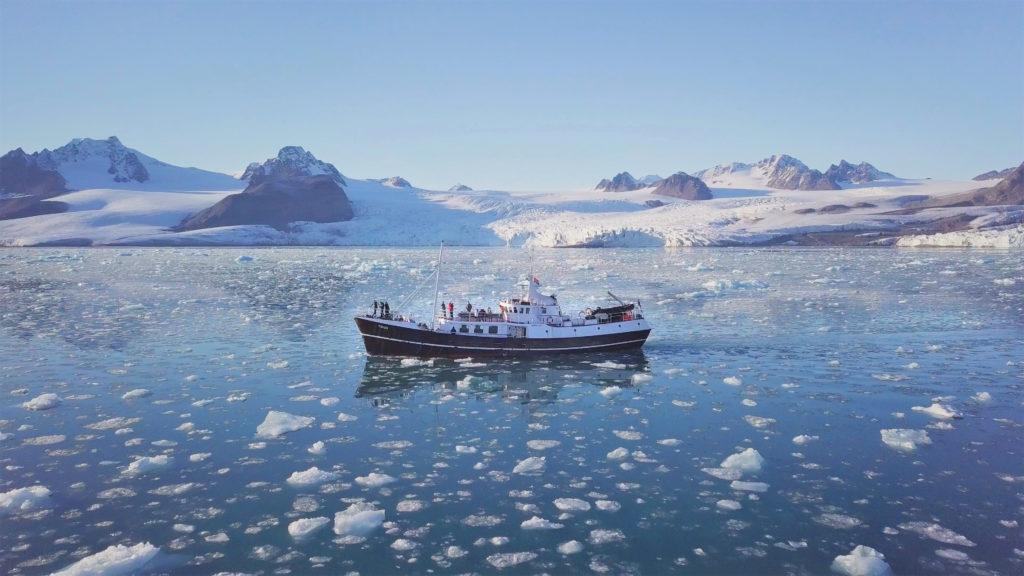 05 Spitzbergen - Fahrt durchs Eis 300dpi